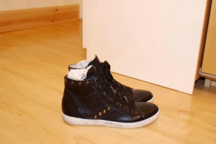 Shoeaholics